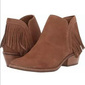 New without box lucky brand fringe freedah booties